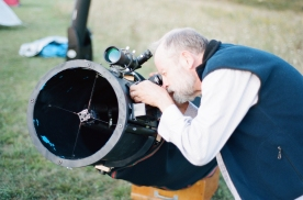 "Me fiddling with my 12.5"" home-made dob in the daytime"